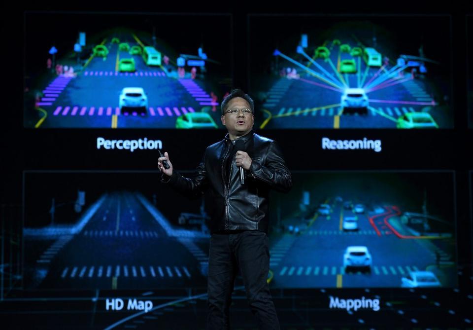 Nvidia представила ИИ-компьютер для беспилотных автомобилей