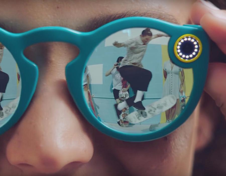 Мессенджер Snapchat выпустит очки совстроенной камерой